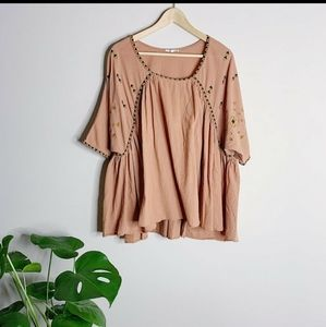 EASEL FLOWY EMBROIDERED TUNIC BLOUSE